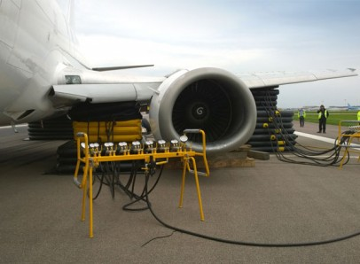 AMS Airbags deployed on stranded B737